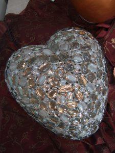 DEVOTA 2011 - Lichtobjekt Herzförmige Urne