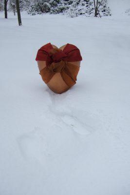 Urne Ariadne im Schnee