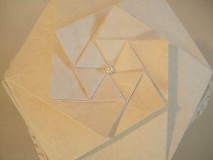 Papier-Urne: Espiritu Deckel (Japanisches Strohseidenpapier weiss)