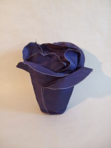 Urne in Blütenform: Hidalga Variation