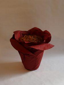 Urne in Blütenform: Maitea ziegelrot