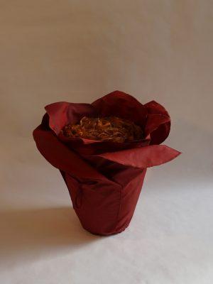 Urne in Blütenform: Maitea